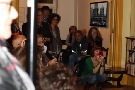Une partie du public au lancement d'Animalis de Claire Varin